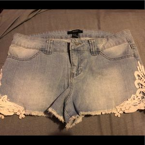 NWT's Light Denim Shorts Size 28 Forever 21
